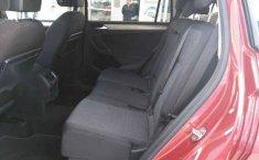 Volkswagen Tiguan Automático-3