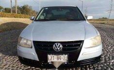 Un Volkswagen Pointer 2006 impecable te está esperando-2