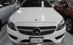 Se vende un Mercedes-Benz Clase C de segunda mano-1