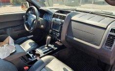 Precio de Ford Escape 2011-6
