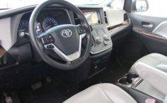 Vendo un Toyota Sienna en exelente estado-17