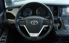 Vendo un Toyota Sienna impecable-13