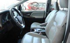 Vendo un Toyota Sienna impecable-7