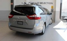 Vendo un Toyota Sienna impecable-5