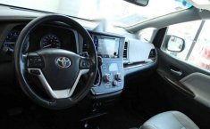 Vendo un Toyota Sienna impecable-4