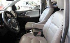 Vendo un Toyota Sienna en exelente estado-2