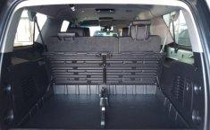 Chevrolet Suburban-8