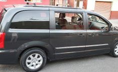 Chrysler Town & Country 3.6 Limited Mt-6