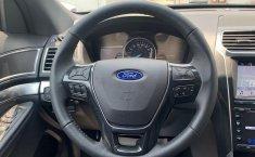 Ford Explorer-12