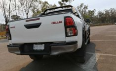 Toyota Hilux 2.7 Cabina Doble Sr Mt-5