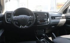Mitsubishi Outlander-6