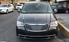 Chrysler Town & Country 3.6 Limited Mt-1
