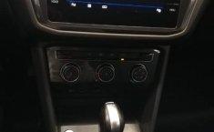 Volkswagen Tiguan Comfortline 5 asientos-7