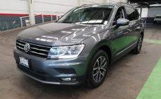 Volkswagen Tiguan Comfortline 5 asientos-6
