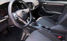 Volkswagen Jetta-1