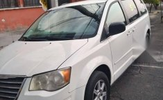 Chrysler Town & Country lx 2010-4