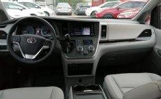 Toyota Sienna-8