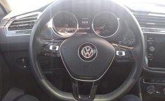 Volkswagen TIGUAN R-LINE-12