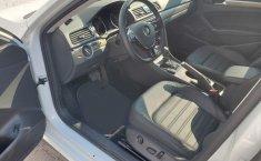 Volkswagen PASSAT SPORTLINE-12