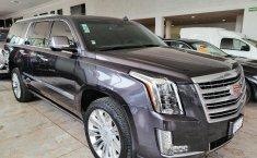 Cadillac Escalade-12