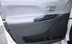 Toyota Sienna-16