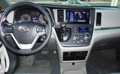 Toyota Sienna-14