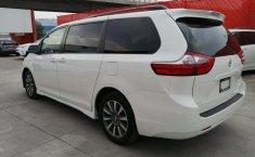 Toyota Sienna-3