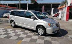 Chrysler Town & Country LX 2012 Plata-0