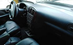 Impecable Chrysler Town & Country 2002-5