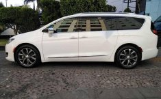 Chrysler pacifica limited platinum 2017-6