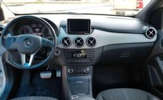 MERCEDES Clase B 180 2014 CGI Exclusive impecable-4