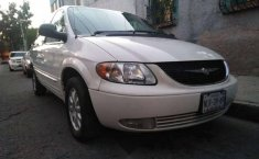 Impecable Chrysler Town & Country 2002-1