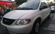 Impecable Chrysler Town & Country 2002-0