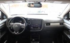 Mitsubishi Outlander-0