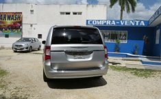 CHRYSLER TOWN & COUNTRY 2012-6