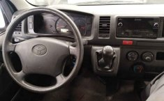 Toyota Hiace-7