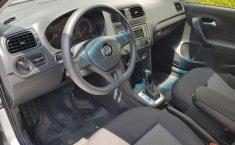 Impecable Volkswagen Vento 2015 Automatico!-18