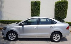 Impecable Volkswagen Vento 2015 Automatico!-2