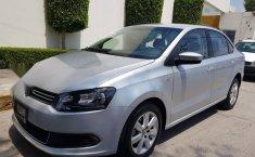 Impecable Volkswagen Vento 2015 Automatico!-0