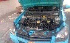 Chevrolet Chevy 3 puertas estándar-6
