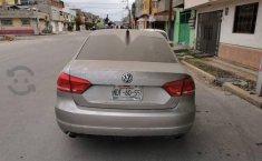 Volkswagen Passat 2013-8