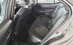 Toyota Camry SE 2019 -11