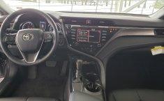 Toyota Camry SE 2019 -16