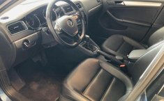 Volkswagen Jetta A6 Sportline-14