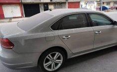 Volkswagen Passat 2013-7