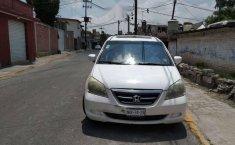 Se vende Honda Odyssey Touring 06-5