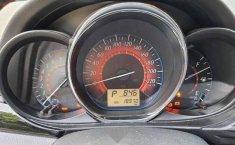 Toyota Yaris Hatchback S CVT Impecable-6