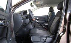 Volkswagen Vento Comfortline-15