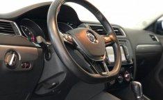 Volkswagen Jetta A6 Sportline-10