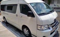 Toyota HIACE pasajeros-1
